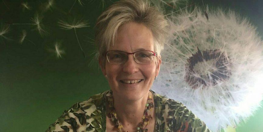 Anne-Marie Krap op kantoor bij haar eerste klant